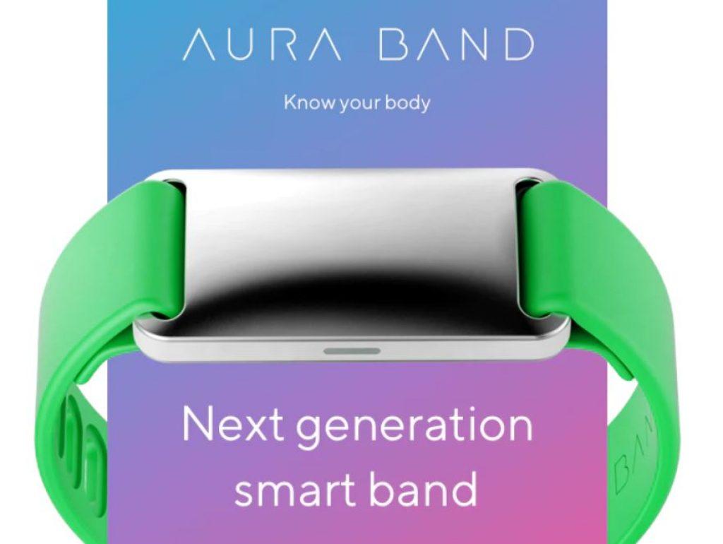 фитнес-трекер Aura Band
