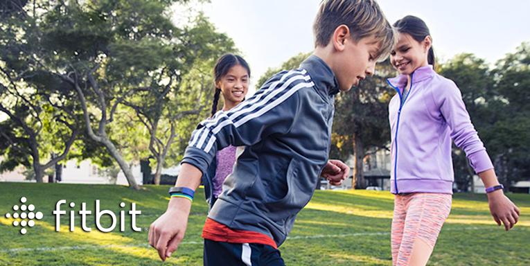 Детский фитнес трекер на руке