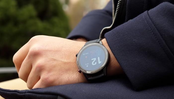 Honor Watch Magic 2 на руке